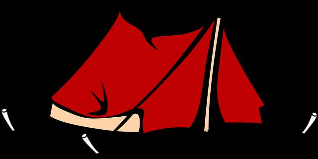 En el camping sin ropa interior y juguetona
