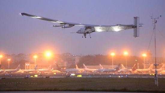 """Το ηλιακό αεροπλάνο """"Solar Impulse 2""""  ολοκλήρωσε 1.200 χιλιόμετρα ενός μεγάλου μέρους της διαδρομής του πάνω από την Κίνα."""