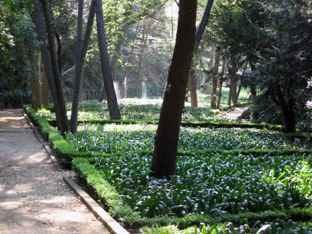 Barcelona parc del laberint beautiful places of for El jardin romantico