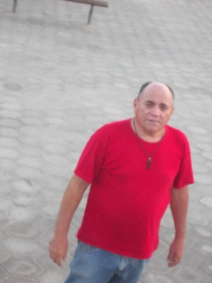 NO MOMENTO VISITANDO A PRAÇA  PADRE CÍCERO DE CAJAZEIRAS PB