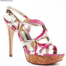 tren model sepatu wanita