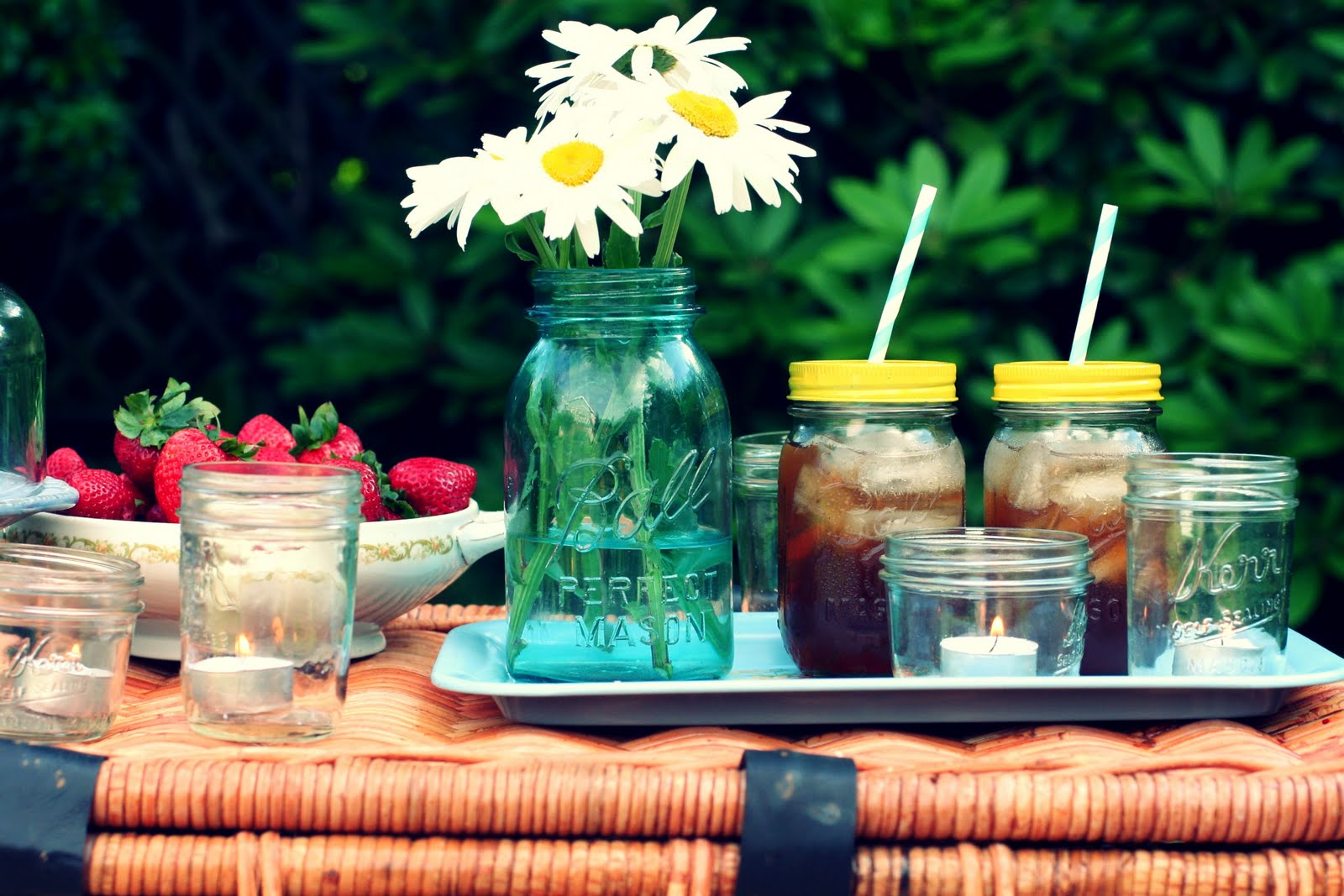 Romantic Backyard Date Ideas : bit of sunshine dinner at eight  a pretty picnic {and a challenge