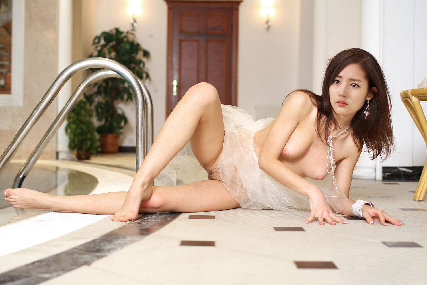 Park Min Young - Korean Idol Fake Nude Photo: http://spots5202003.blogspot.com/2015/05/park-min-young.html