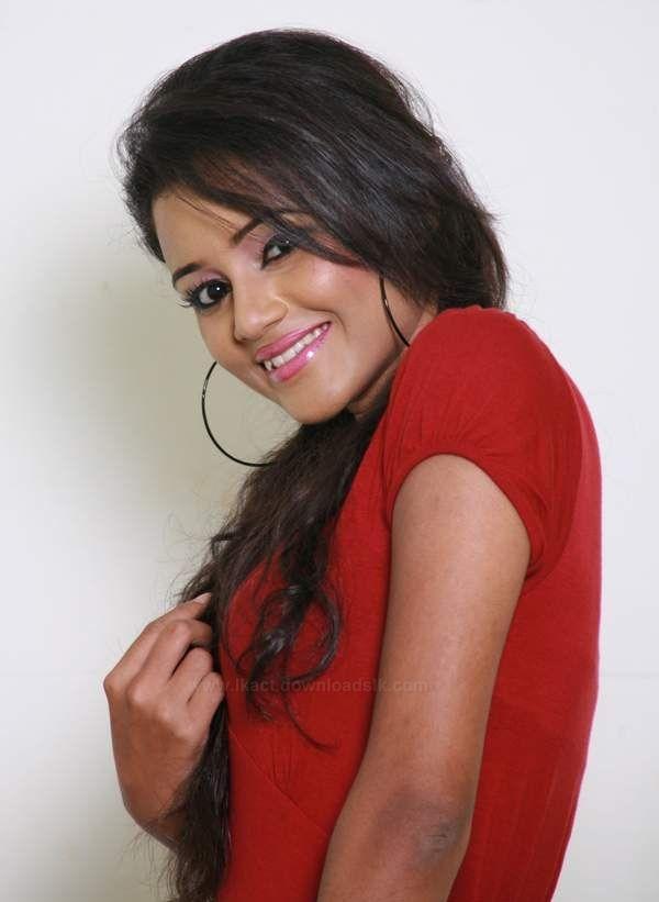 Dinakshie Priyasad sexy