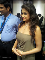 Asmita sood at Jos Alukkas Vijayawada Showroom-cover-photo
