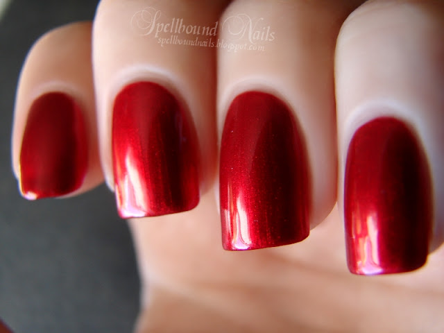 nails nailart nail art polish mani manicure Spellbound China Glaze Holiday Joy Collection Christmas red shimmer glitter ruby Cranberry Splash color swatch review