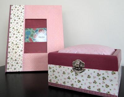 Moldura e caixa de primeiras recordações