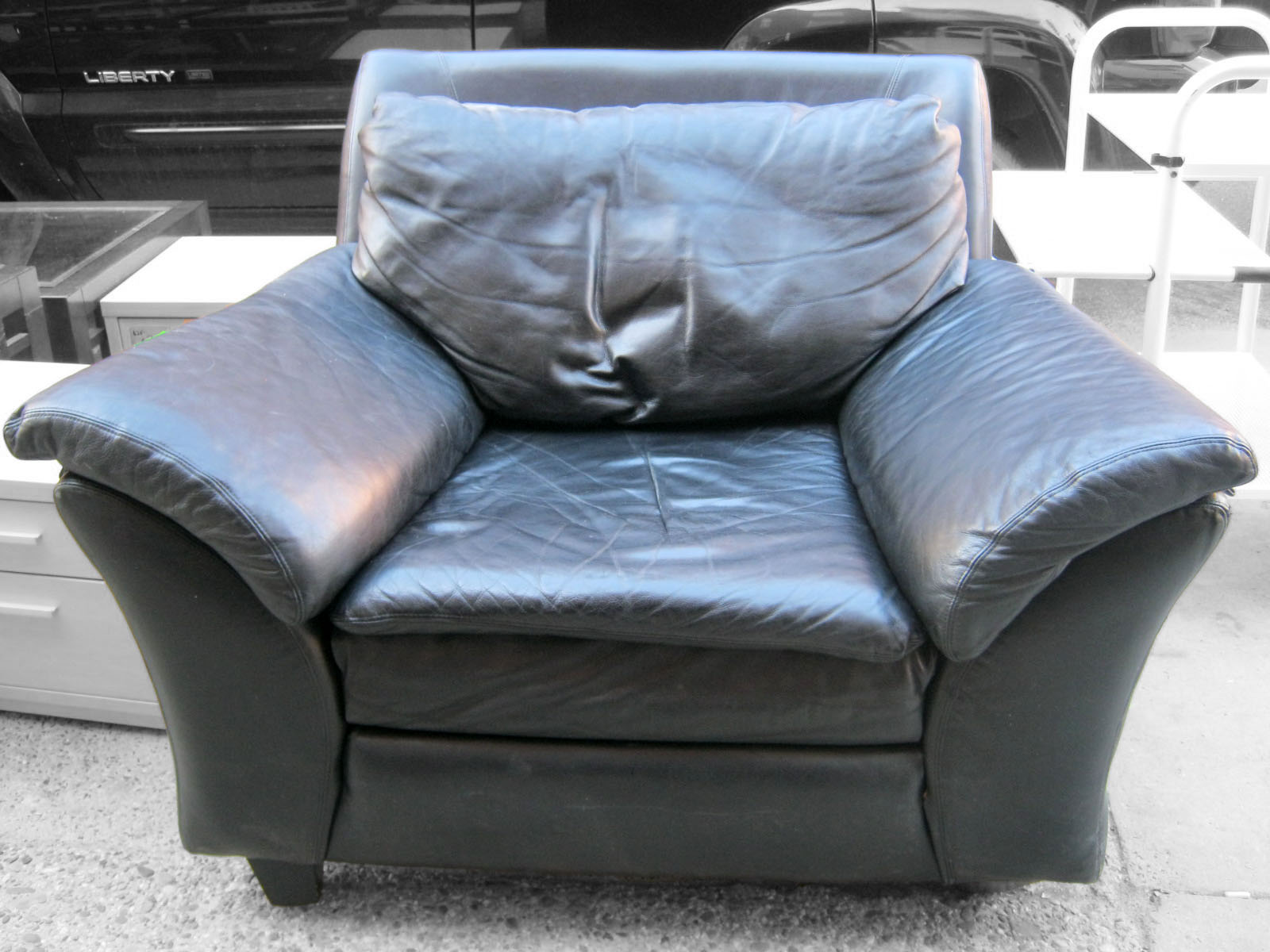 Genial Black Leather Overstuffed Chair   SOLD