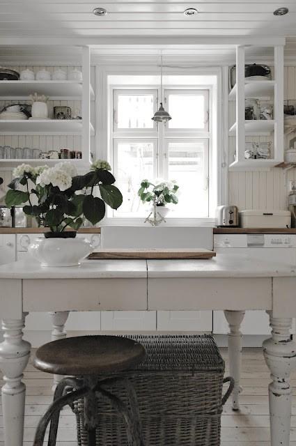 Atmosfere nordiche in cucina blog di arredamento e for Nordic style arredamento