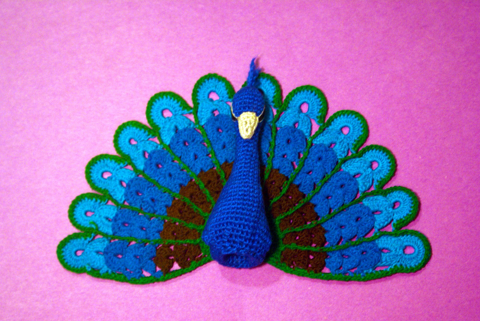 CrochetBot 3000: Peacock