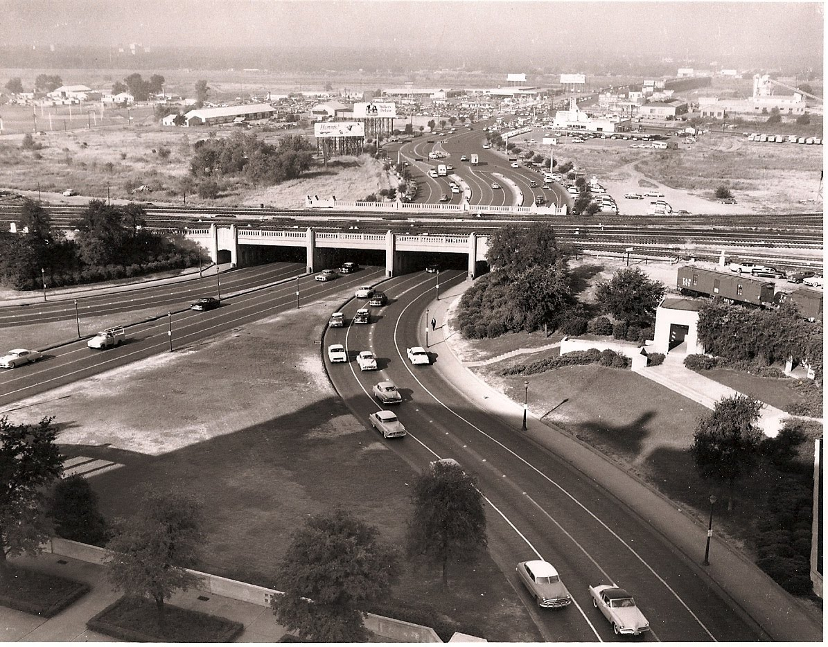 [Dealey+Plaza+In+The+1950s--With+Two-Way+Traffic+On+Elm+St..jpg]