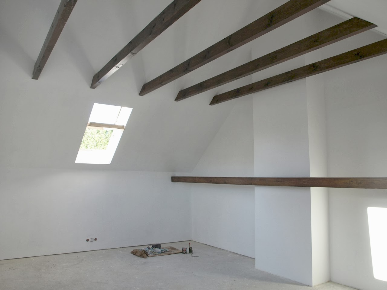 remont starego domu poddasze strop dach belki murator