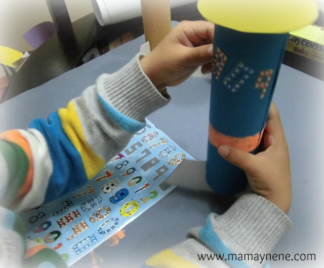 COHETE-CARTON-STICKERS-CRAFT-ROCKET-MANUALIDADES-MAMAYNENE