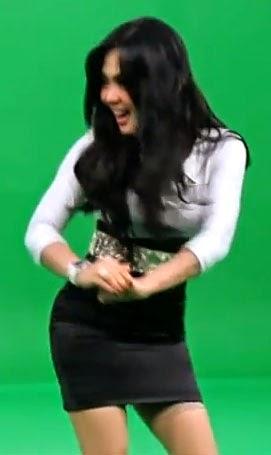 Foto Video Syahrini Goyang Morena