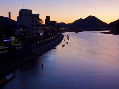 Nagara River (长 良 川)