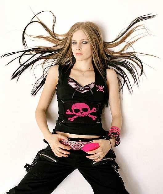 http://1.bp.blogspot.com/-lZTQI818wLg/TZ0U0VtQZbI/AAAAAAAABIc/ceQuyHnPk4o/s1600/pop-punk-rocker%252525252525252Bhairstyle.jpg