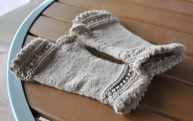 susie rogers reading mitts knitting