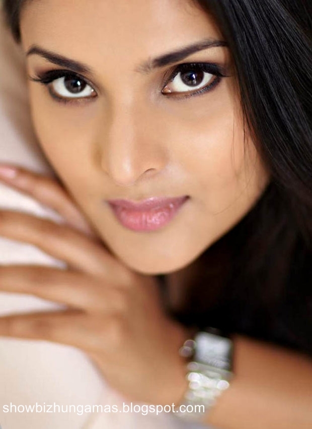 Ramya hot actress