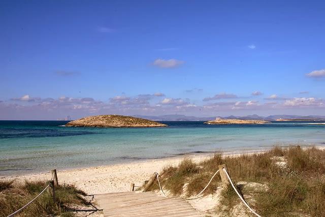 островен плаж