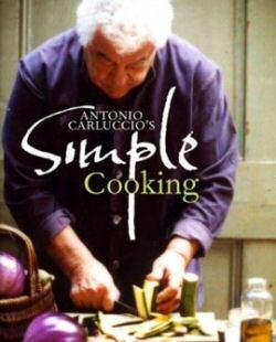 Antonio Carluccio op de voorpagina van zijn kookboek: Simple Cooking