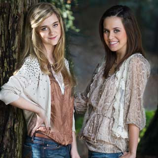 Megan and Liz – A Girl's Life Lyrics | Letras | Lirik | Tekst | Text | Testo | Paroles - Source: musicjuzz.blogspot.com