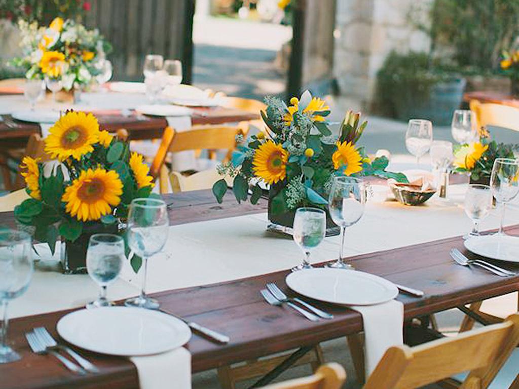 Centros de mesa con girasoles