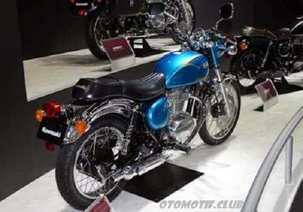 Photo Kawasaki Estrella 250cc biru