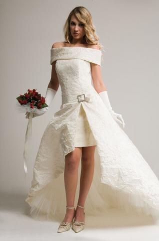robes de mariage robes de soir e et d coration la robe de mari e courte. Black Bedroom Furniture Sets. Home Design Ideas