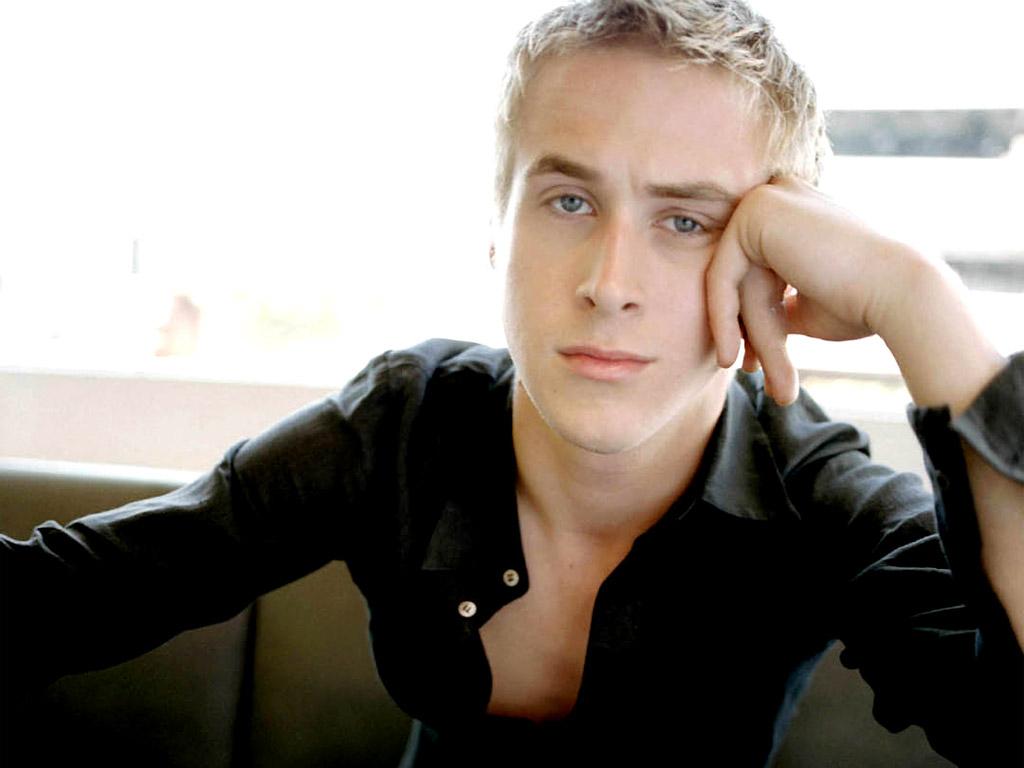 http://1.bp.blogspot.com/-l_HJZb0P07s/T2O8gaTgsXI/AAAAAAAAGCw/TFU1IZApb6c/s1600/Ryan+Gosling+Background.jpg