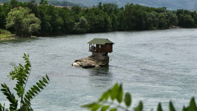 House on Drina River  © Nenad Apostolovic