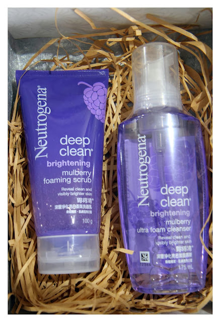 sa The Neutrogena Deep Clean Radiance Boosting Mulberry Foam Cleanser & Scrub