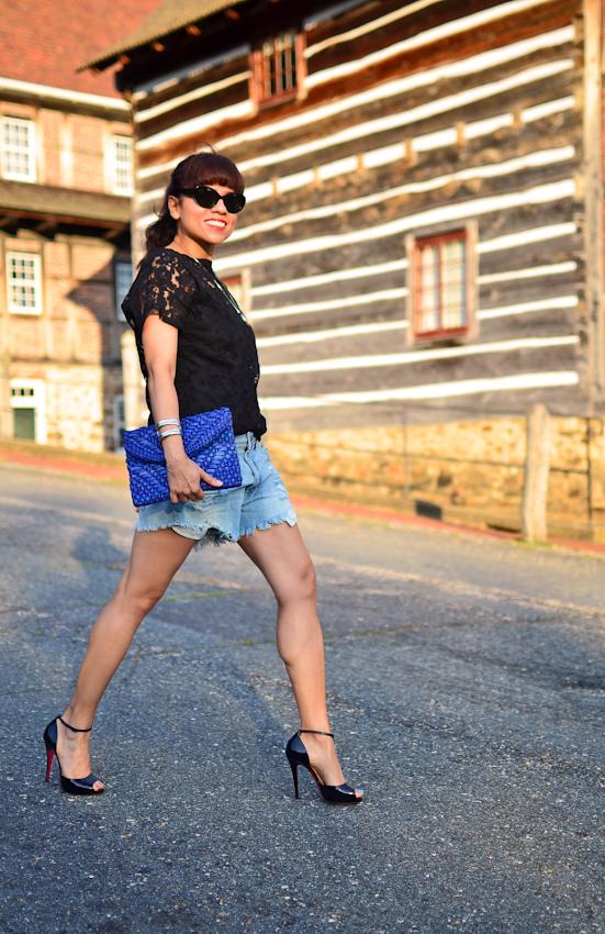 Cutoff shorts street style