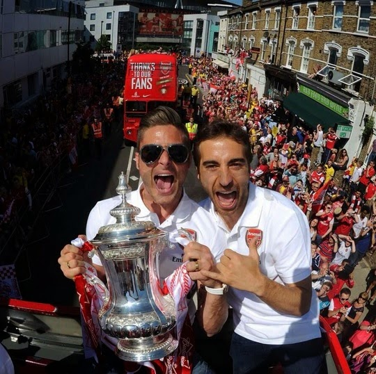 Selfie Olivier Giroud and flamini