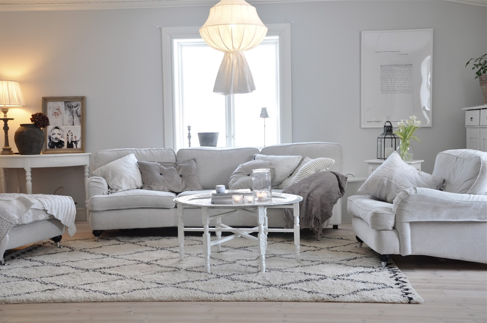 Marias vita bo: vardagsrum i dagsljus