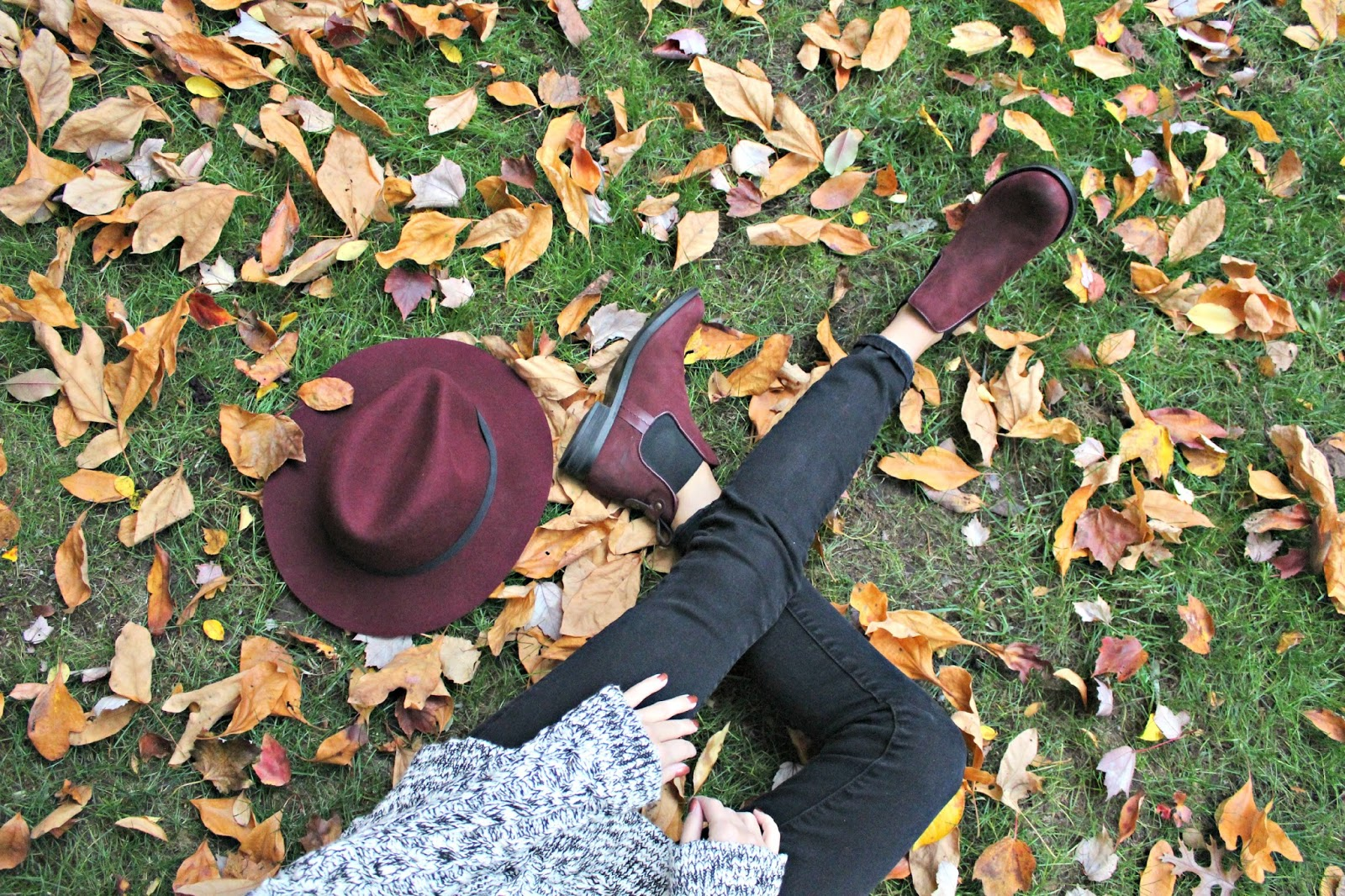 burgundy fall accessories