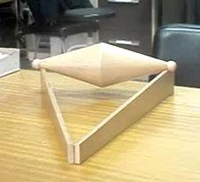 http://experimentofisicaescolar.blogspot.com/2014/05/paradoja-mecanica-en-un-plano-inclinado.html