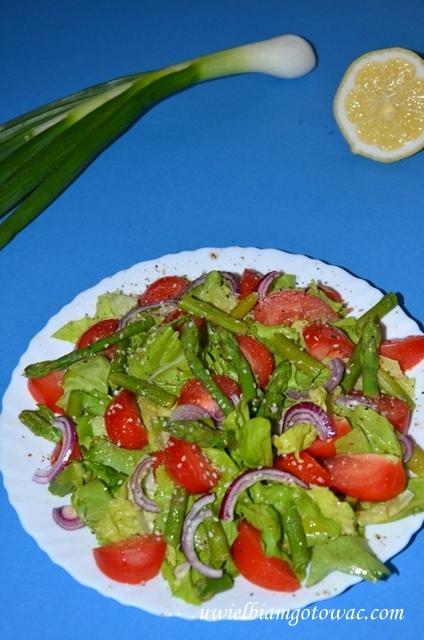 Sałatka ze szparagami