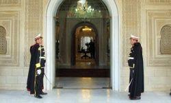 Le salaire du président de la République passera de 30 mille dinars à 12 mille dinars