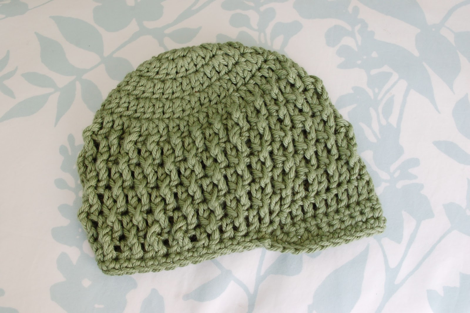 Crochet Hat Pattern For 8 Month Old : Alli Crafts: Free Pattern: Deeply Textured Hat - 3 months