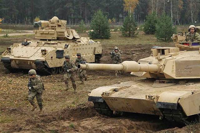 Unidades americanas treinam na Letônia.