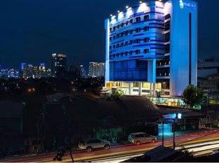 Hotel di Senayan Jakarta - Blue Sky Hotel Petamburan