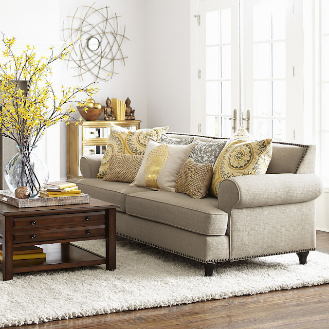 The Low Down On White Sofa