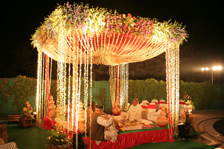 Zebdek wedding planner indian wedding decoration done by us according to hindu traditions wedding should take place in an open ground thus it requires the construction of a mandap or a canopy on an open ground junglespirit Choice Image