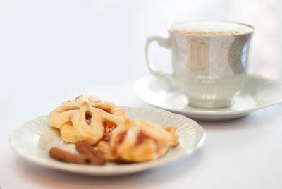 Ciastko francuskie z mozzarella