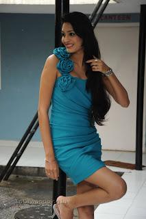 Shweta Jadhav Pictures at Namaste opening 009.jpg