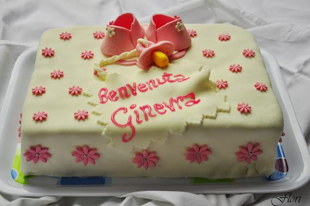 torta di battesimo per la nascita di una bambina