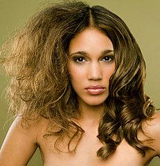 Cortes de pelo para cabello encrespado o seco mejora tu aspecto