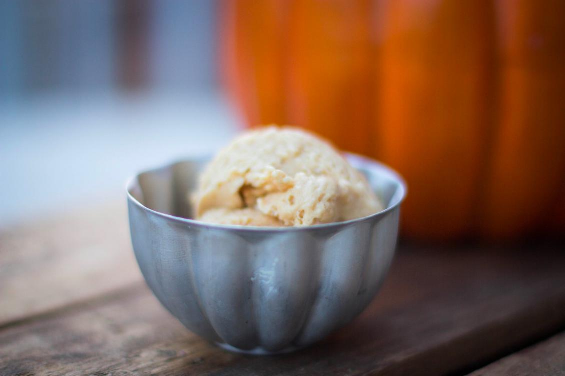 a bit of sunshine: pumpkin spice ice cream (vegan/gluten free)