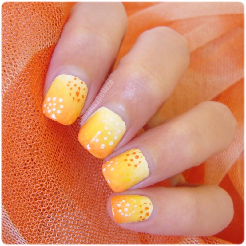 Nail art fácil uñas decoradas con espirales y degradado