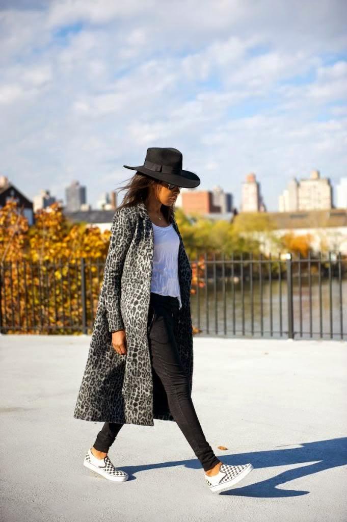 Parisienne 14 WAYS TO WEAR CHECKERED VANS SLIP-ON SNEAKERS